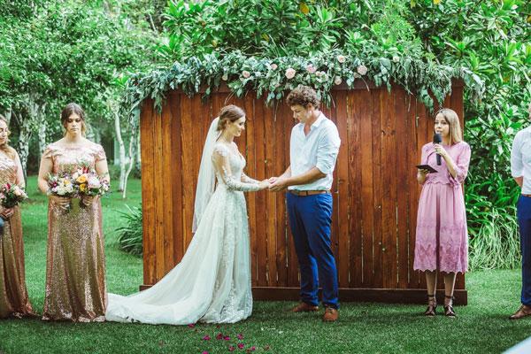 Tree-elle-retreat-wedding3